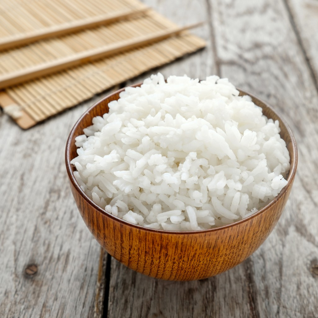 steamed white rice in cup