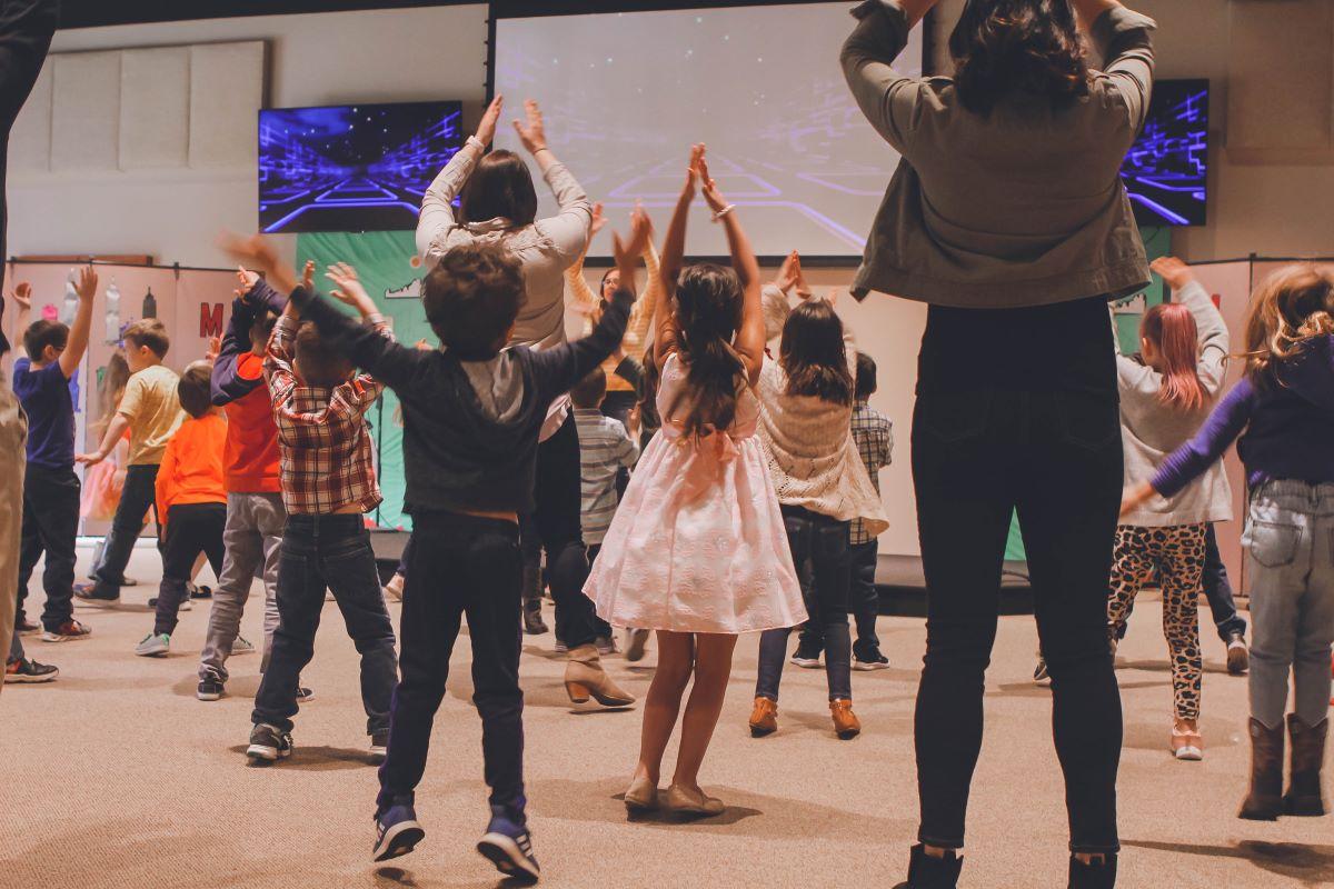 teaching kids dancing