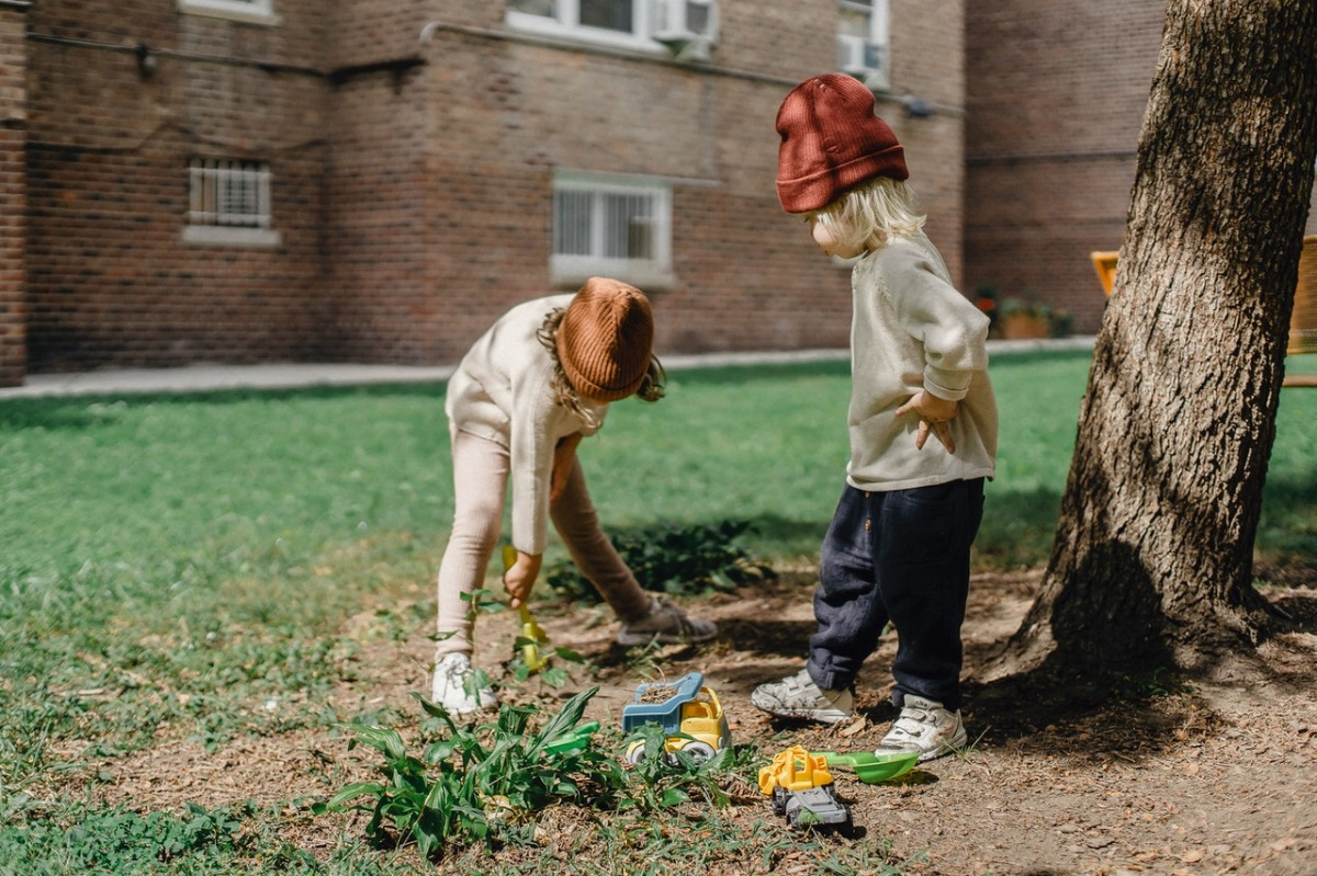 children near a tree